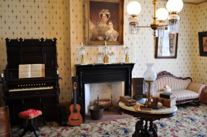 Whaley House parlor